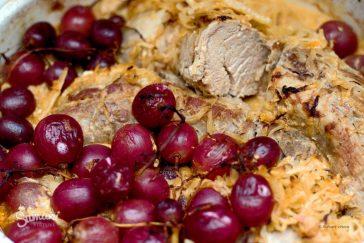 šventinė kiaulienos išpjova su vynuogėmis sumani virtuvė