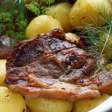 greitai paruošiama kiaulienos sprandinė orkaitėje minkšta ir sultinga